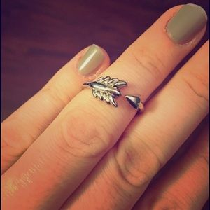 New -Stella and Dot Gilded Arrow Ring -silver